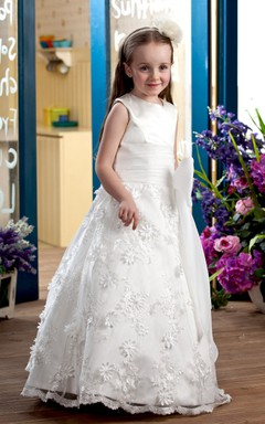 Cute High-Neck A-Line Flower Girl Dress With Appliques