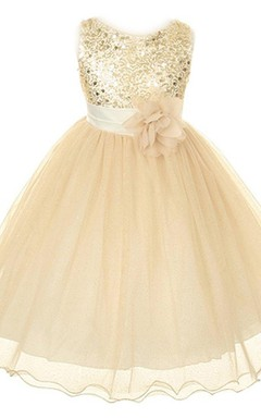 Sleeveless A-line Dress With Sequins and Flower