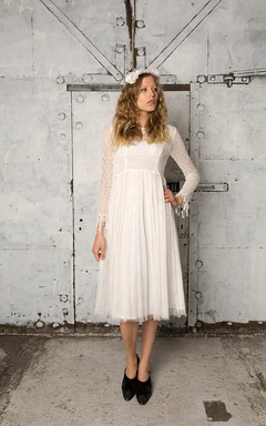 Vintage Long Sleeve A-Line Tulle Wedding Dress With Lace Bodice