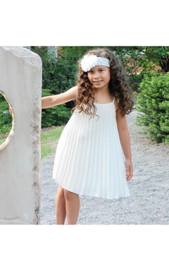Sweet Spaghetti Strap White Pleated Chiffon Girls Dress