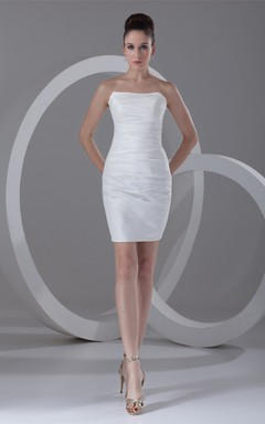 strapless short body-fitting dress with ruched design