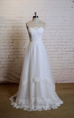 Sweetheart A-Line Tulle Wedding Dress With Lace Edging