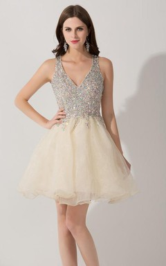 Sexy V-neck Sleeveless Short Homecoming Dress With Crystals