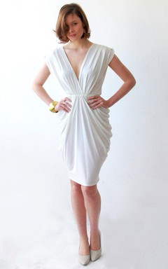 Plunged Central-Ruched Knee-Length Dress With Bow