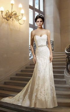 Sweetheart Lace Wedding Dress with Sash