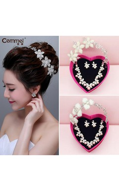 Bride Crown Headdress Three - Piece Wedding Accessories Korean Pearl Necklace Earrings Suit