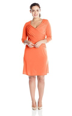 3/4 Sleeved Knee-length Criss-crossed Jersey Dress