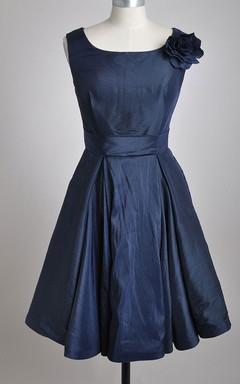 Scoop Neckline A-line Knee-length Dress With 3D Flower
