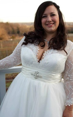 Plus Size Chantilly Lace And Tulle Ballgown With Long Sleeves Dress