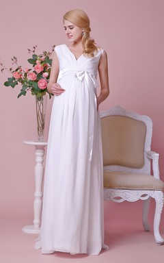 Gorgeous A-line Pleated Chiffon Gown With V-neck and Satin Bow