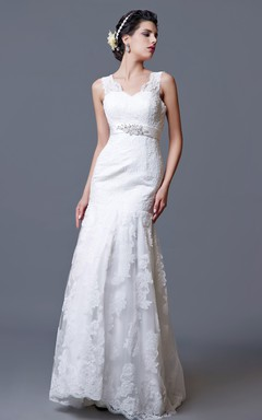 Gorgeous Lace Sheath Gown With V-neck Backstyle