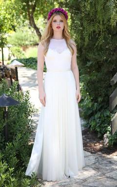 Jewel-Neck Sleeveless Chiffon Pleated Wedding Dress With Keyhole