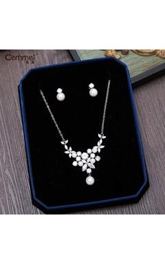 Korean Zircon Shell Pearls Bride Crown Head Necklace Earrings Set Wedding Accessories