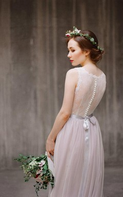 Boho Jewel Neck Sleeveless Tulle Wedding Dress With Lace Bodice and Sash