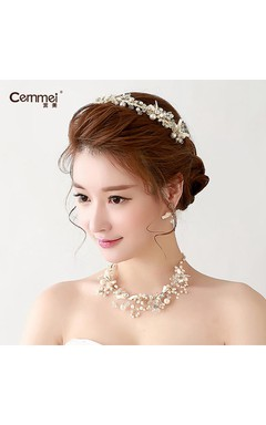 Bride Jewelry Three Sets Of Korean Handmade Necklace Earrings Wedding Headdress Wedding Accessories