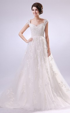 Romantic Sweetheart Sleeveless Cap-Sleeved Gown With Full Laces
