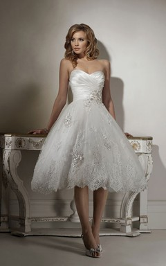 Magnificent Crisscross Ruched Bodice Tulle Dress With Floral Lace Appliques