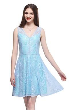 Sleeveless V-neck A-line Short Dress With Lace