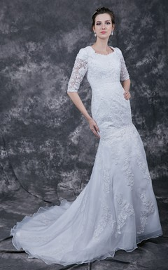 Elegant 3/4 Sleeve A-line Lace-appliqued Gown With Scooped Neckline