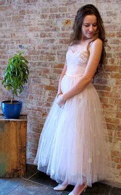 Alluring Sweetheart Ruched A-line Tulle Dress With Flowers