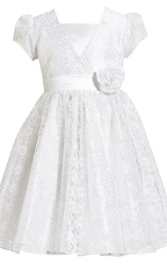 Short-sleeved A-line Lace Dress With Flower