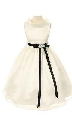 Sleeveless A-line Satin Dress With Belt