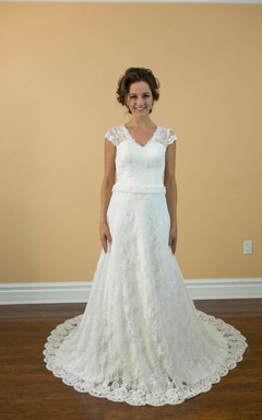 Sexy V-Neck A-Line Lace Wedding Dress With Rhinestone Decoration