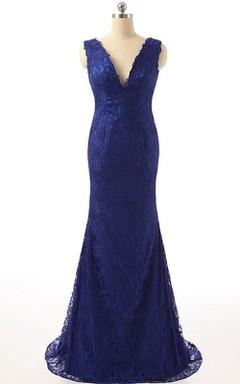 Backless V-neck Sleeveless Sheath Lace Dress With Brush Train