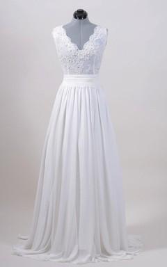 Sleeveless V-Back Alencon Lace Wedding Dress With Chiffon Skirt.