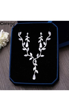 Simple Korean Zircon Necklace Bride Wedding Dresses Banquet Presided With Accessories Box