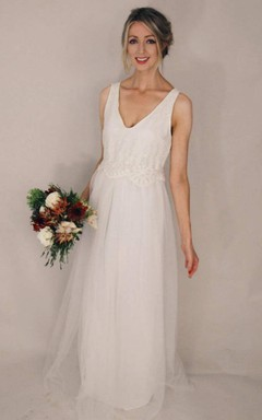 Casual Floor-Length Plunged Sleeveless Tulle Dress
