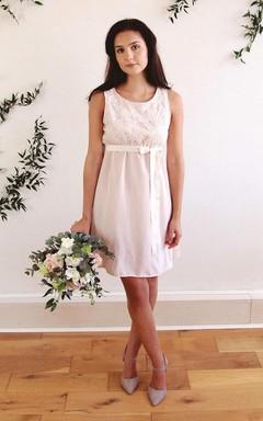 Knee-Length Scoop Sash Ribbon Lace Wedding Dress