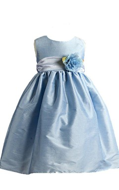 Sleeveless A-line Scoop-neck Taffeta Dress With Flower