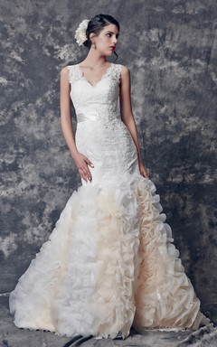Chic V-neck Organza and Lace Gown With Satin Band and Crystals