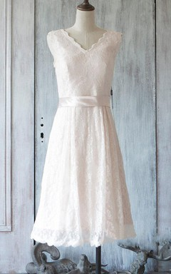 Short Knee-length V-neck Chiffon&Lace Dress