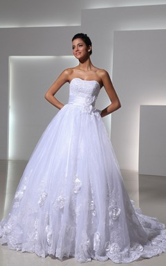 Lovely Strapless Sweetheart Lace-appliqued Ball Gown With English Net and Brooch