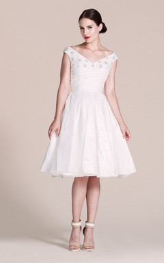 cap sleeved v neck a line dress with pleats and beadings