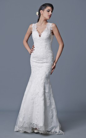 Noble V-neck English Net and Lace Gown With Contour Straps and Crystals