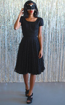 Short Sleeve Square Neck Lace Knee-Length Dress
