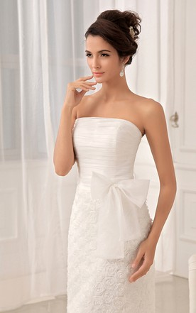 Lavish Strapless Tea-Length Dress With Flower And Lace Appliques