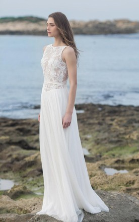 Bateau Sleeveless Lace Appliqued Chiffon Floor-Length Wedding Dress