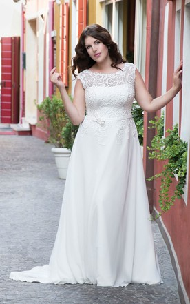 Wedding Dresses For Bigger Ladies | Plus Size Wedding Dresses ...