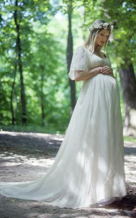 e90ac818052 Bohemian V-neck Short Sleeve Lace Empire Waist Maternity Chiffon Dress ...