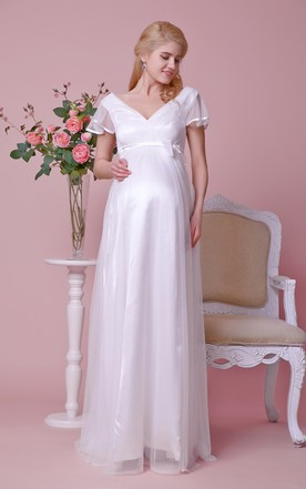 Empire Waist V-neck Short-sleeved Maternity Wedding Dress With Satin Bow