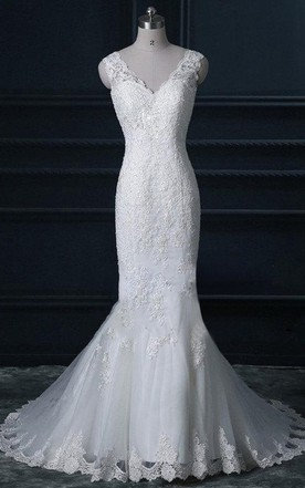 dc8f153199b Vintage Style Lace Wedding V Neck Wedding Bridal Gown Long Train Dress ...