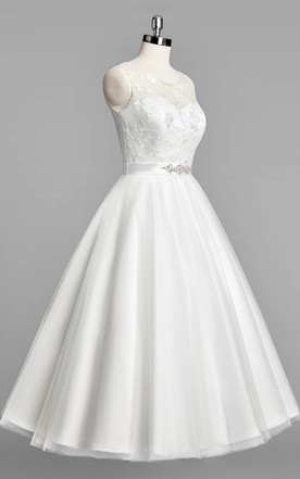 Scoop Neck Sleeveless A-Line Tulle Tea-Length Wedding Dress With Beaded Sash