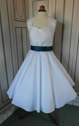Rockabilly Tea Length Halter Neck Taffeta Wedding Dress With Bow and Beading