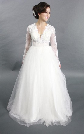 V-Neck Long Sleeve Tulle A-Line Wedding Dress With Beading