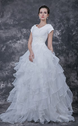 Charming V-neck Layered Shiny Organza Gown With Ruche and Brooch