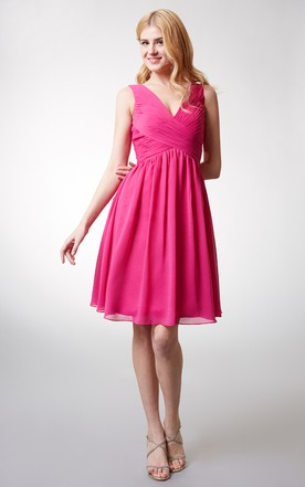 Chic V-neck Short Bridesmaid Dress